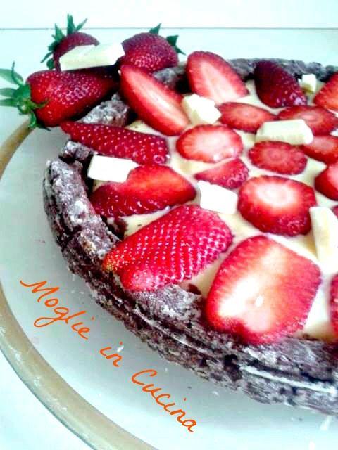 Vi piacciono le fragole e  il cioccolato bianco? Se vi ho incuriositi abbastanza allora eccovi la ricetta.