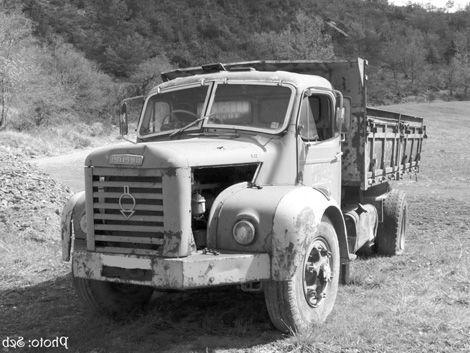 les 25 meilleures id es de la cat gorie camion berliet sur pinterest camion lourd gros. Black Bedroom Furniture Sets. Home Design Ideas