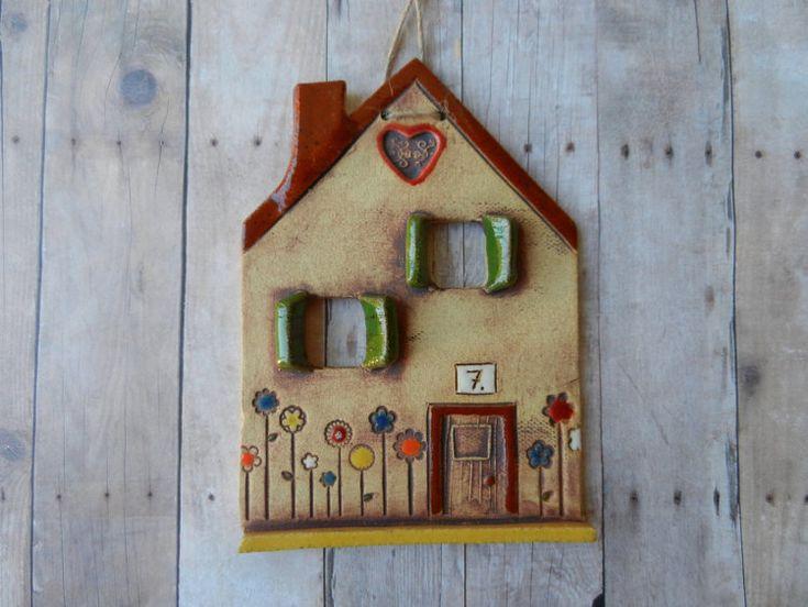 Keramik Haus Wandbehang Ton Haus Ornament von potteryhearts auf Etsy