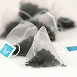 Item Code: 1119 Cocoa Mint Tea Triangles, 1.59 oz (45 g) Ingredients: Black tea, blackberry leaves, peppermint leaves, natural flavors.