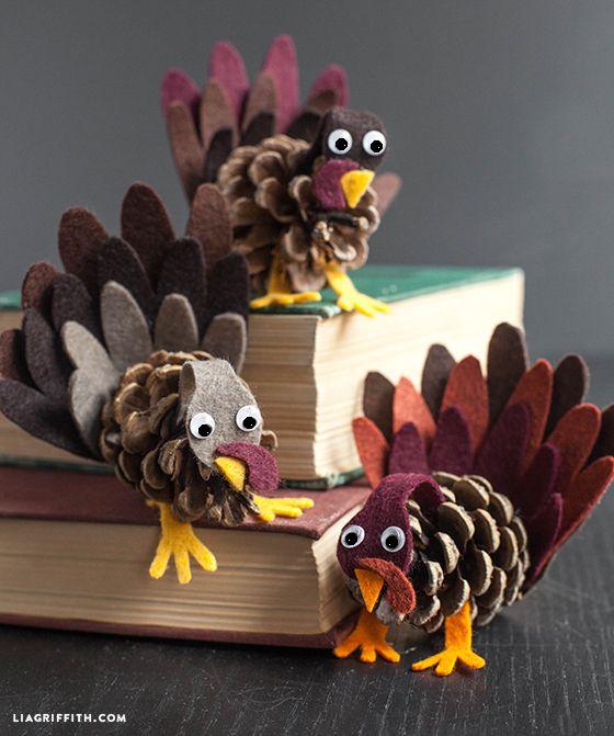 Felt and pine cone turkeys