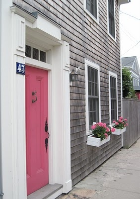 pink door + flower boxes I'm not a pink girl, but I like this pink and gray combination. It would be neat at the beach!