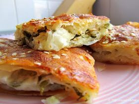 Mijn mixed kitchen: Taze soğanlı börek (makkelijke börek met Turkse witte kaas en bosui)