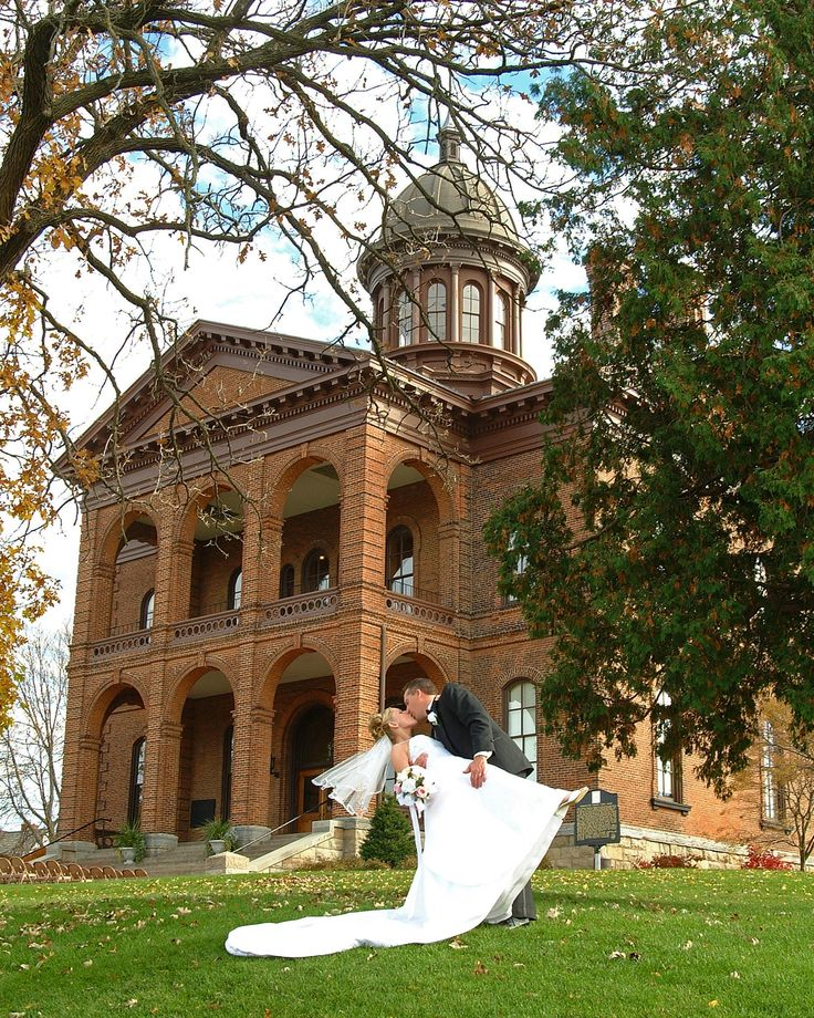 Clark county wa courthouse wedding pictures