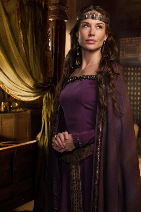Claire Forlani as Queen Igraine in Camelot.