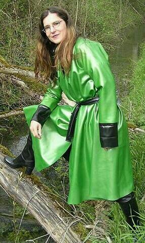 Stunning Green Rubber Raincoat Rainy Days Rubber