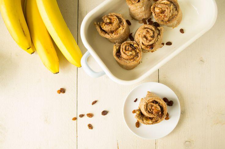 Cinnamon buns. Of van die lekkere koffiebroodjes vol met rozijnen. Ik heb ze al jaren niet meer gegeten! Vandaag maakte ik een gezonde versie van speltmeel!