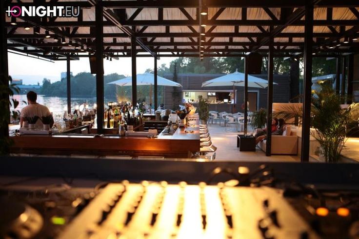 Entourage Bar-Club-Lounge , Bucuresti
