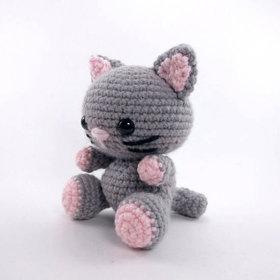 Simple Free Crochet Cat Pattern | Crochet cat pattern, Crochet ... | 570x570