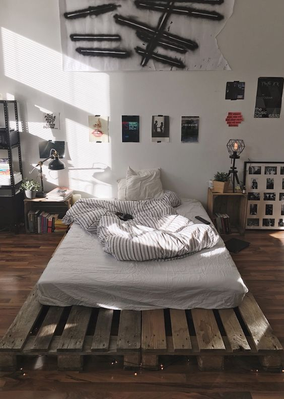 Diy Home Decor Ideas On A Budget For Bedroom Mens Bedroom Decor Simple Bedroom Design Small Room Bedroom