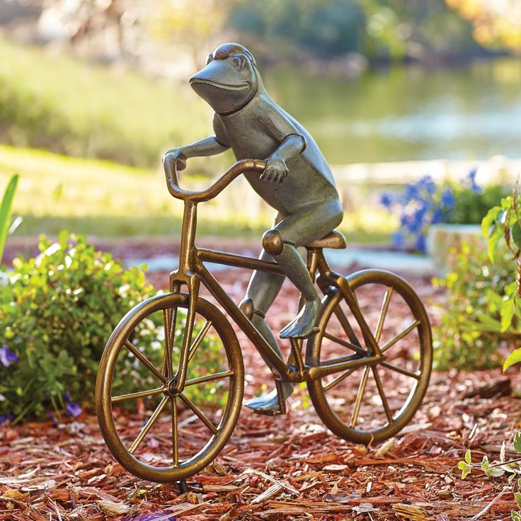 This Cycling Frog Garden Statue Makes A Wonderfully Whimsical Addition To  Your Garden Décor. Equipped
