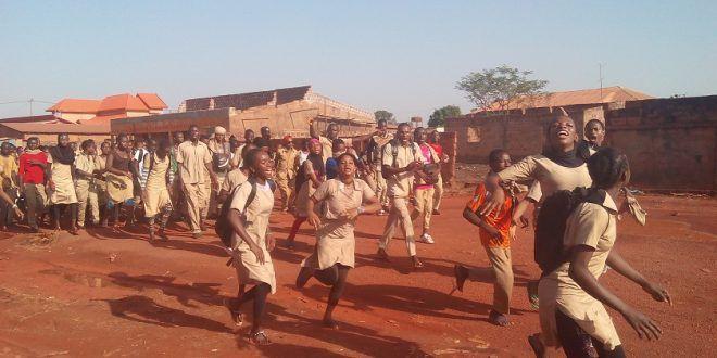 Grève des enseignants contractuels en Guinee: la violence évitée de justesse !