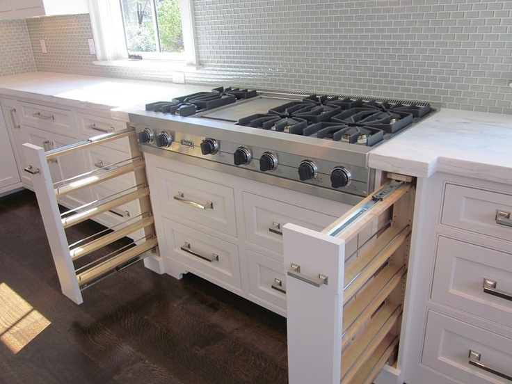 I love this whole house, but this is genius!: Spices Storage, Kitchens Design, Dreams Kitchens, Kitchens Redesign, Kitchens Ideas, Decor Inspiration, Diy Sliding Spices Racks, Storage Ideas, Kitchens Storage