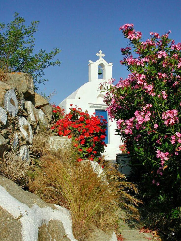 Ios island's small chapel
