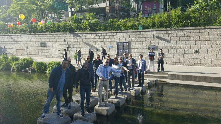 Fantastic Seoul ! Nice Cosmojin Private Tour :)  #Cheonggyestream #nice #seoultour #group #cosmojin #koreatour #travel  https://www.seoulcitytourbooking.com/