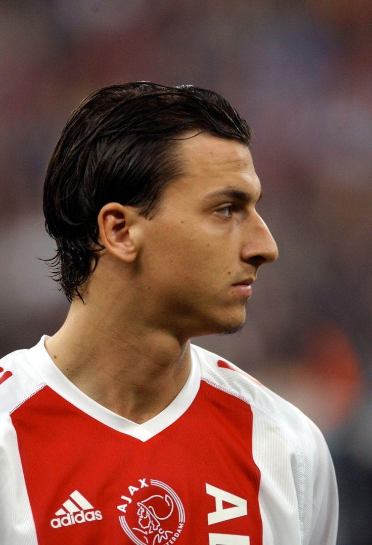 Le joueur qui a failli interrompre sa carrière en Suède, retrouve goût au football à l'Ajax Amsterdam.