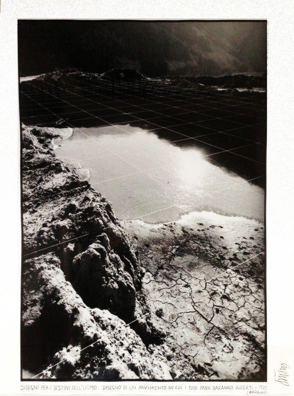 Ettore Sottsass, Metafore. Disegno di un pavimento su cui i tuoi passi ...