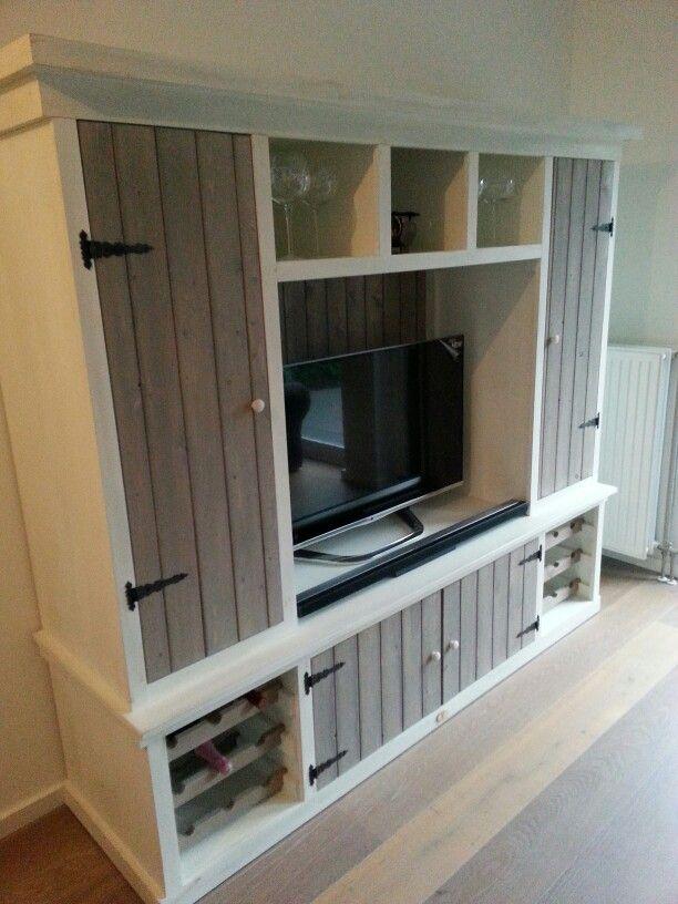 Geweldige tv kast met sloophout.