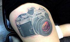 Tatuajes de cámaras de fotos para los amantes de la fotografía - http://www.tatuantes.com/tatuajes-de-camaras-de-fotos-fotografia/