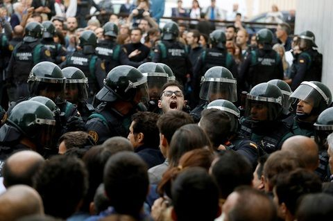 独立は第2のスペイン内戦を呼ぶか #独立 #カタルーニャ #ロシアW杯 #Democràcia #referendumCAT #1oct #votarem #Catalonia #Catalunya #住民投票 #スペイン #España #違憲