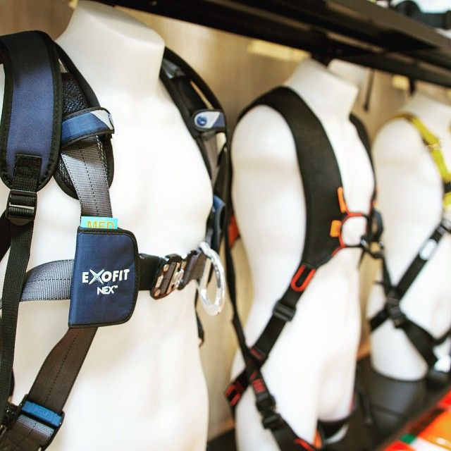 Can a #harness be sexy? We think so #exofit #sala #capitalsafety #skylotec #sirro2 #newton #petzl #ropeaccess #heightsafety #safetyatheights