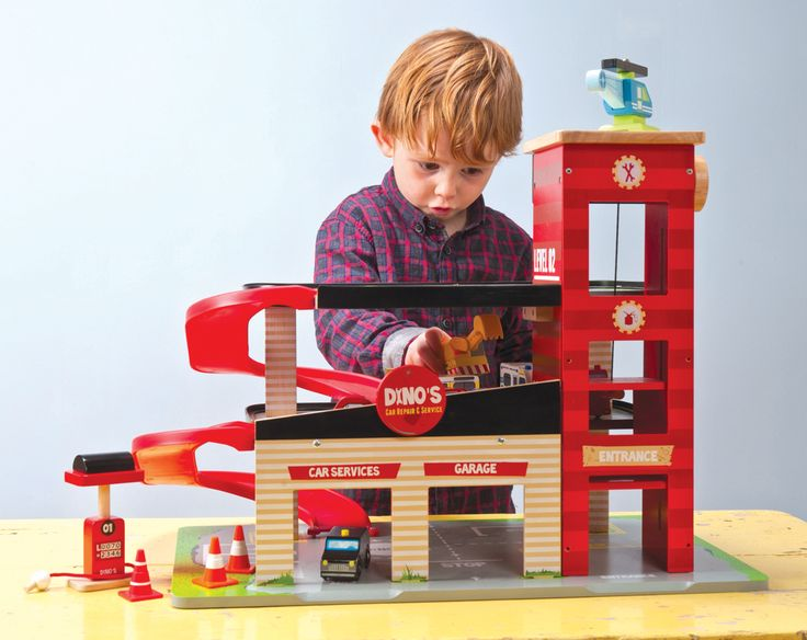 Le Toy Van Holz Kinderspielzeug Parkhaus inkl. Sticker 50cm bei Fantasyroom online kaufen