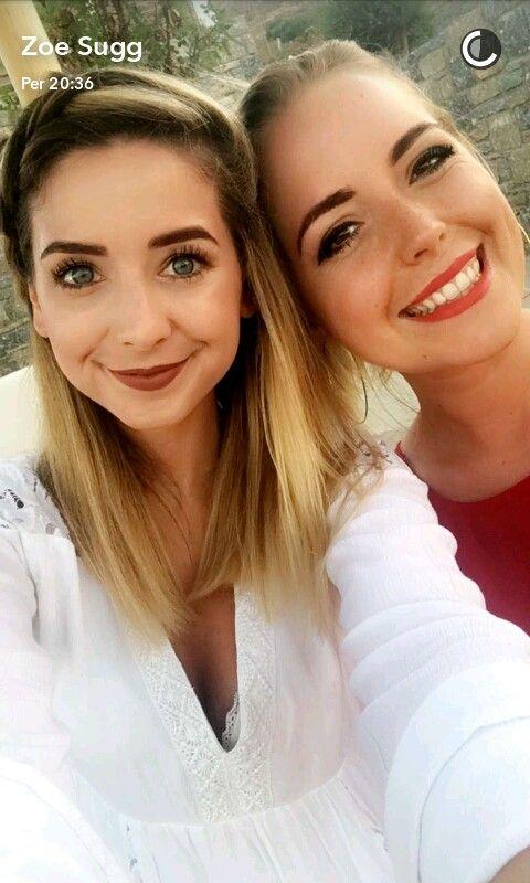 Zoe Sugg and Poppy Deyes ❤