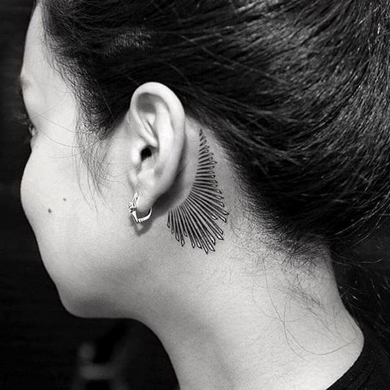 50 Traditional Behind The Ear Tattoos For Woman In 2019 Page 58