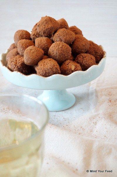 Chocolade kokos truffels - Mind Your Feed