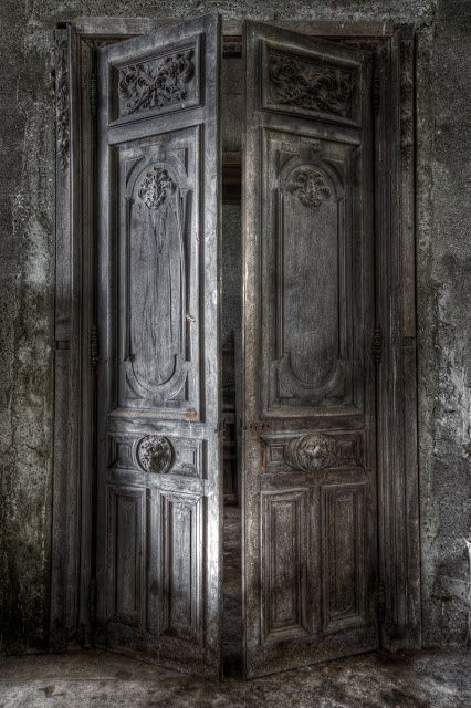 Abandoned Castle in Urbex - Doors The photographer/blogger notes that the elements are slowly decaying the treasures held within the castle, but at last, an association has been organized to save it.