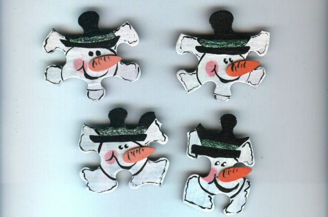 snowmen from larger pieces of puzzle