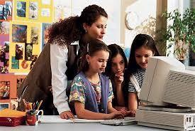 C.08.El seguimiento que realiza el docente con los estudiantes es fundamental para la construcción de saberes correcta y didácticamente.