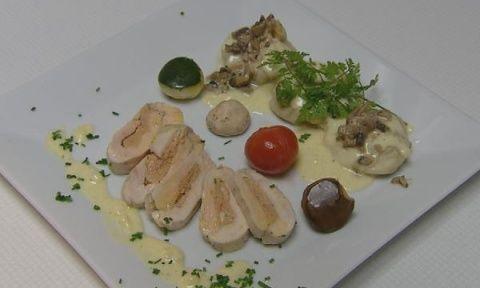 Saucisson van kip en foie gras, ravioli met champignon en truffelsaus