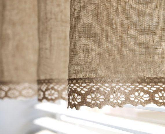 Toda la tela natural. Contracción 4-6%. No seque. No usar blanqueador. No empapar.  Cuadro #3 muestra los adornos de encaje de tela y algodón que utilizamos para esta cortina de café. Cuadro #4 muestra mirada plana. Figura #5 muestra mirada reunido (1.5xW). (La cortina de la foto #1 y #2 fue hecha del más fino y menor grado lino algodón que ya no usamos)  Esta cortina de café tiene dos capas como se muestra en la figura #2. Hay una versión de una sola capa (si usted elige el ajuste…