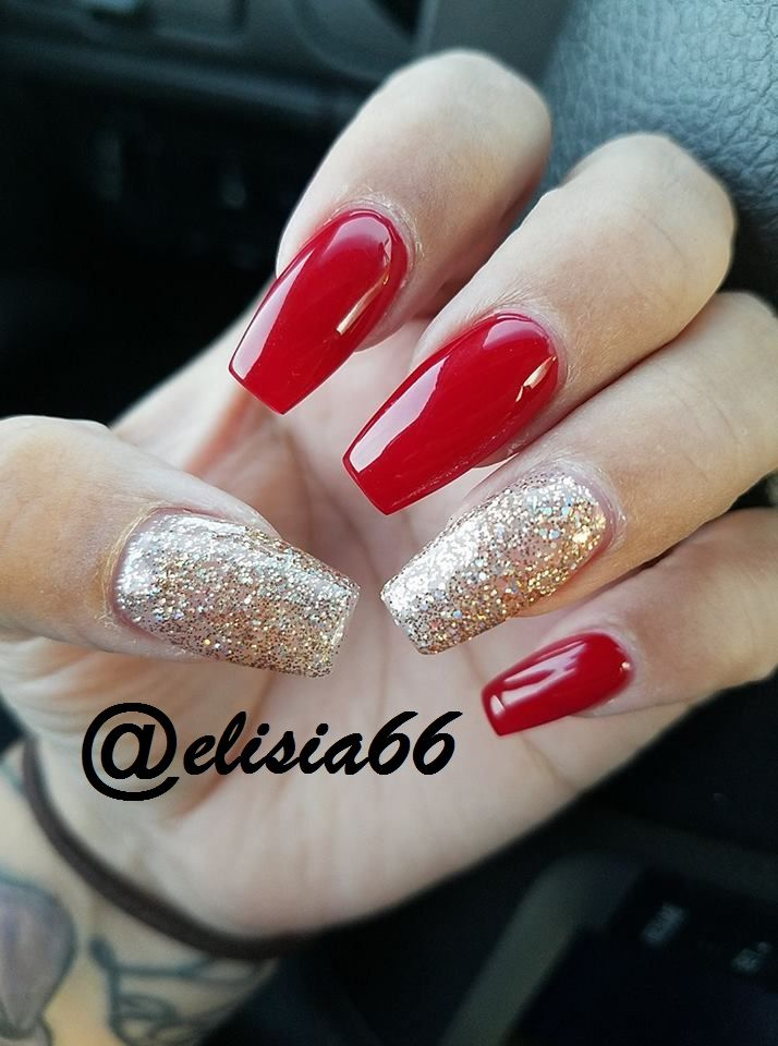 Acrylicnails Red Rednails Nails Acrylic Gelnails Goldglitter Glitter Christmasnails Red Nails Glitter Gold Acrylic Nails Gold Nails