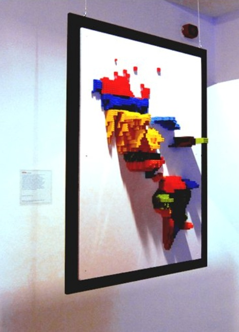 Samuel Granados visualizes migration patterns using Lego (via information aesthetics http://infosthetics.com/archives/2011/02/3d_infographic_maps_built_with_lego.html) #visualization #3d #lego
