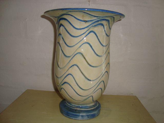 KÄHLER. År ca./year about 1950s #klitgaarden #hermanakähler #kähler #vintagekähler #HAK #danishdesign #danishceramics #danishpottery #danskkeramik #vase SOLGT/SOLD on www.klitgaarden.net..
