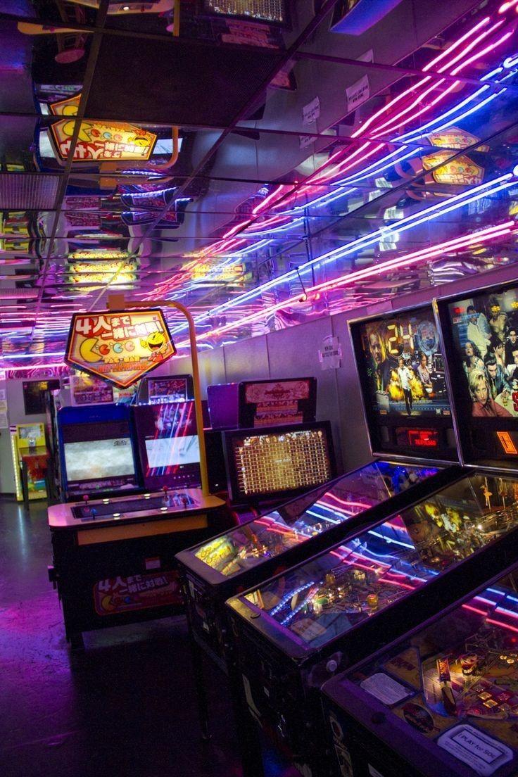 Thrilling Arcade Museums That Will Feed Your Stranger Things Cravings Arcade Neon Aesthetic Retro Arcade