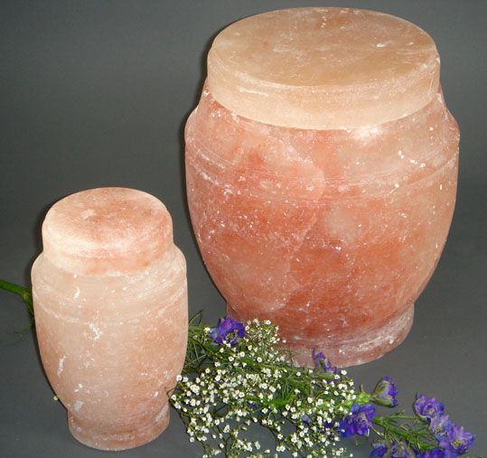 Everything you wanted to know about human cremation urns, including marble urns for ashes, handcrafted wooden urns, alabastrite urns, solid brass urns, cloisonné urns, ceramic urns, as well as biodegradable urns.