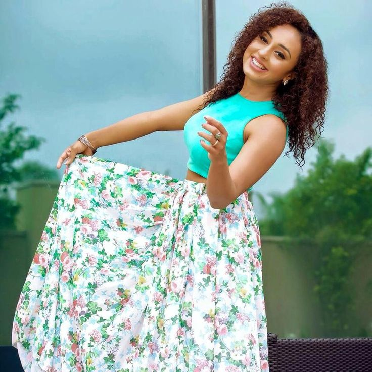 pearle maneey in floral skirt and mint green crop top costume by pranaah