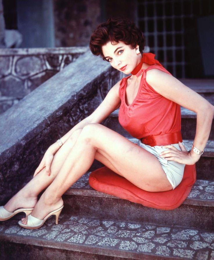 Joan COLLINS, une certaine ressemblance avec Elizabeth TAYLOR...