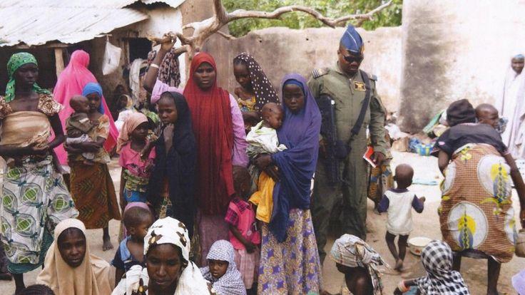 Het Nigeriaanse leger bevrijdde eind april 2015 meer dan 600 vrouwen en jonge meisjes uit de handen van de terreurbeweging Boko Haram.