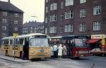 KS 141/AB88389 og Hvidovre Rutebiler 68/BM92996 på Toftegårds Plads i Valby den 14. september 1974