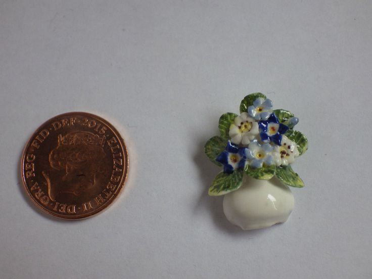 Anne Dalton Ottervale china blue and white flat back posy signed | eBay
