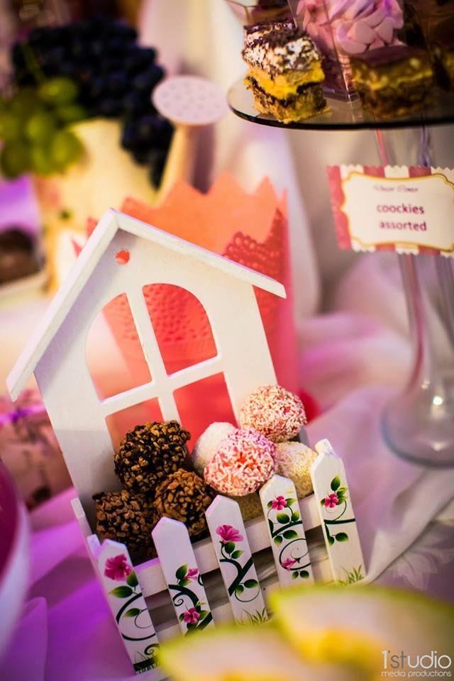 Event plannerii noștri îți vor surprinde toți invitații cu un candy bar delicios #candybar #eventplanning