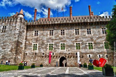 Turismo en Portugal: Palacio de los duques de Bragança en Guimaraes