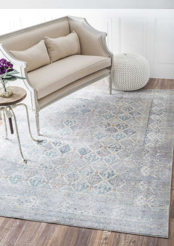 A Striking Rugs Usa Grey Rug With Hints Of Blue This Is A