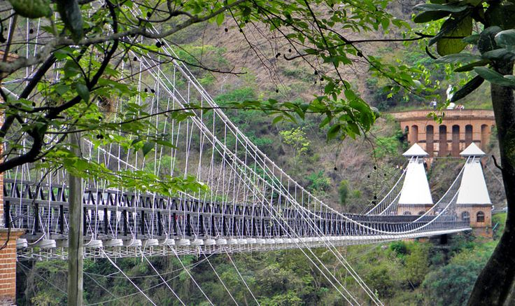 The Puente de Occidente, Colombia