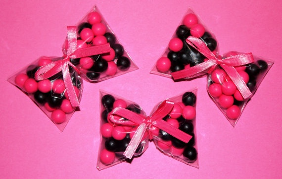Cute idea for party favors...wrap ribbon around bag of candy to make it look like a bow. Cheap too.