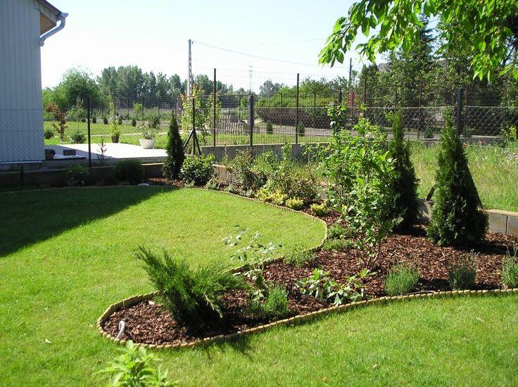 Alábbi linkünkre kattintva számtalan tippet és ötletet találnak, a növények ültetésétől kezdve a téli felkészülésen át egészen a metszésig és a tervezésig!  http://www.globalgarden.hu/tippek-otletek/